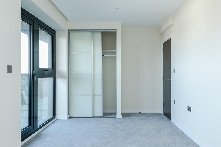 2 Bedrooms Flat for sale in Triumph House, 1C Gunnersbury Lane, Acton
