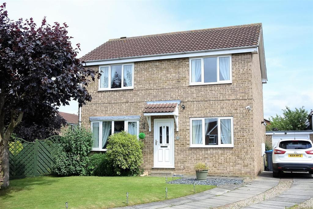 4 Bedrooms Detached House for sale in Newlands, Northallerton