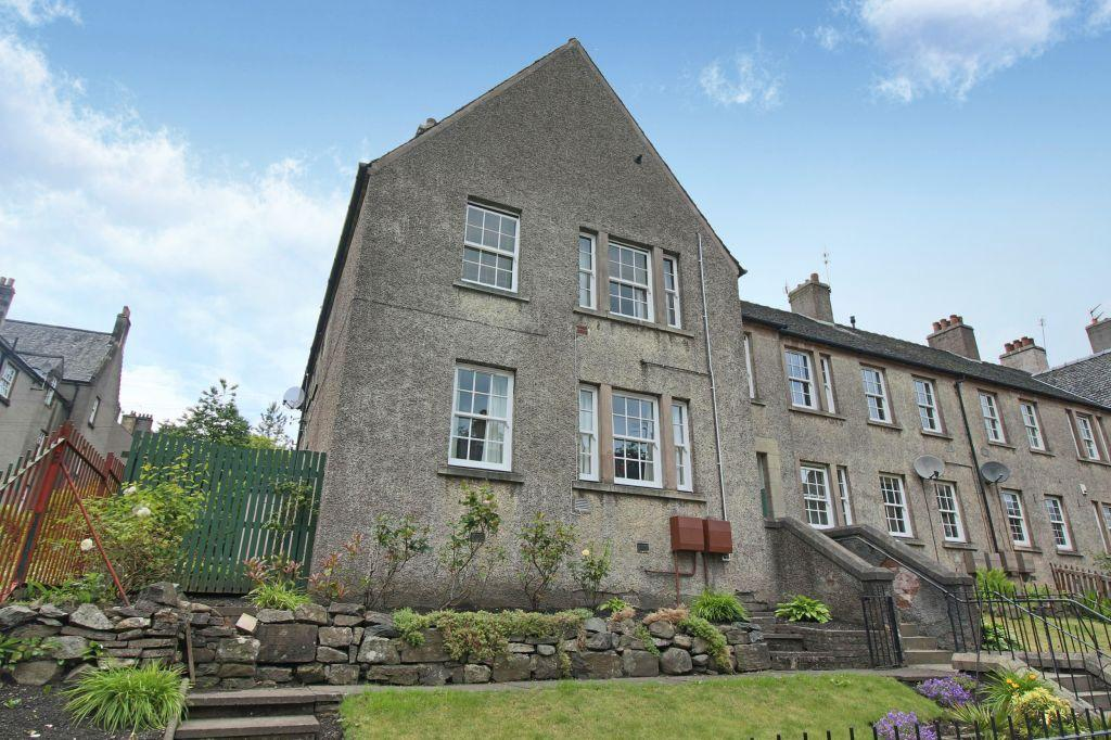 3 Bedrooms Ground Flat for sale in Morris Terrace, Stirling, FK8 1BP