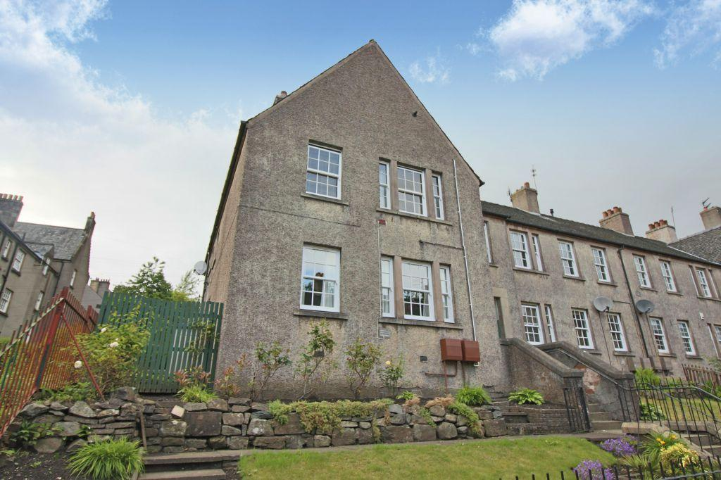 3 Bedrooms Flat for sale in 2D Morris Terrace, Stirling, FK8 1BP