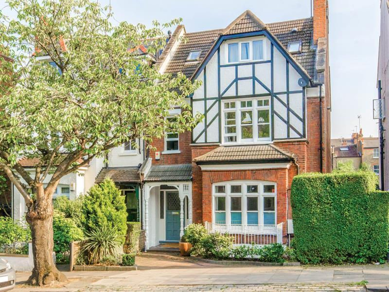 6 Bedrooms Semi Detached House for sale in Cranley Gardens, N10
