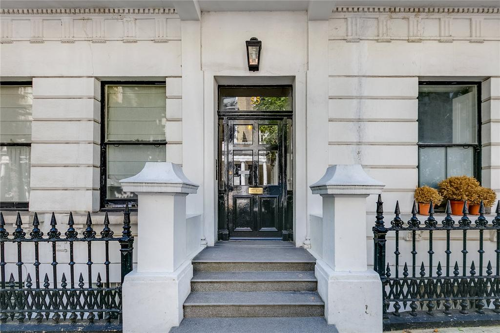 Studio Flat for sale in Linden Gardens, Notting Hill, London