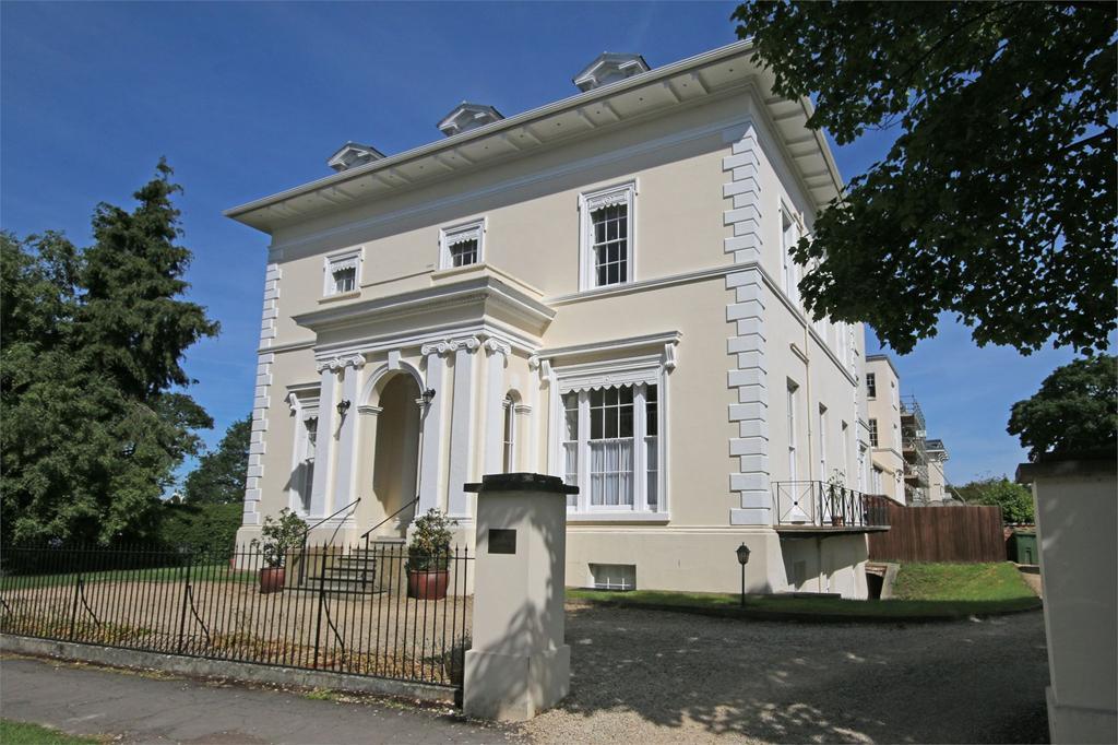 2 Bedrooms Flat for sale in Lansdown, Cheltenham