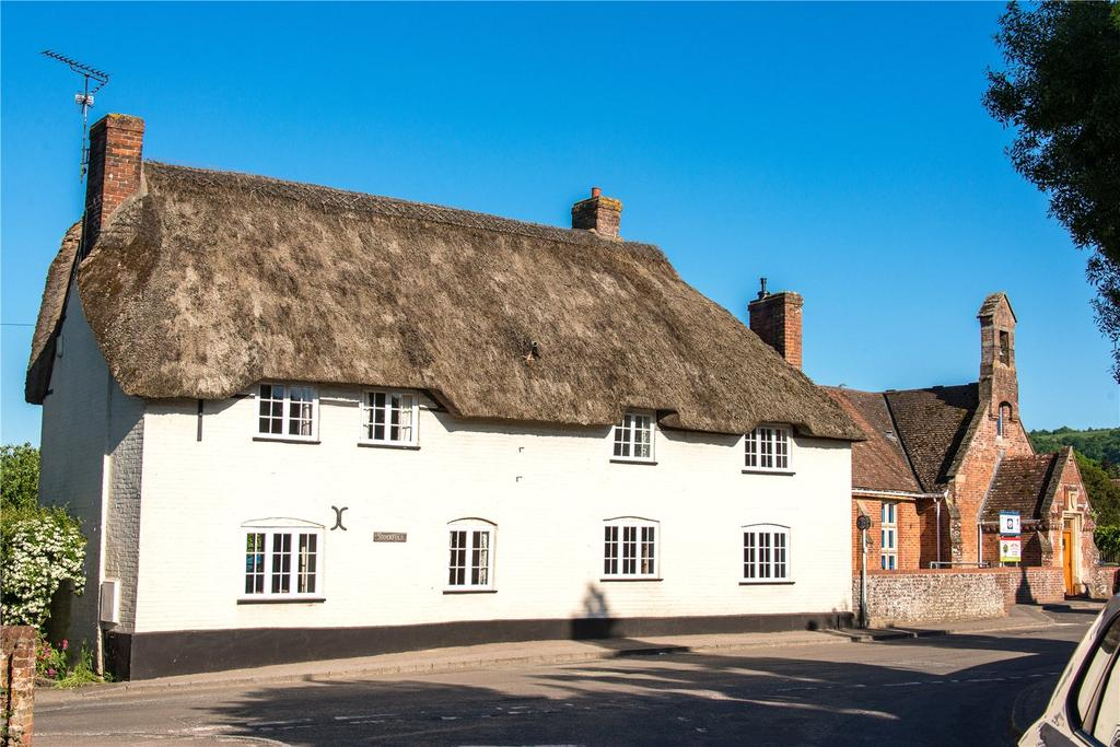 4 Bedrooms Detached House for sale in The Cross, Okeford Fitzpaine, Blandford Forum, DT11