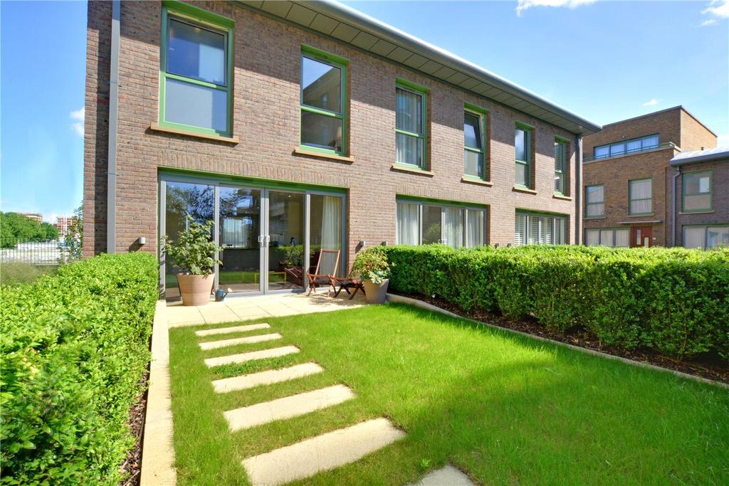 3 Bedrooms End Of Terrace House for sale in Astell Road, Blackheath, London, SE3