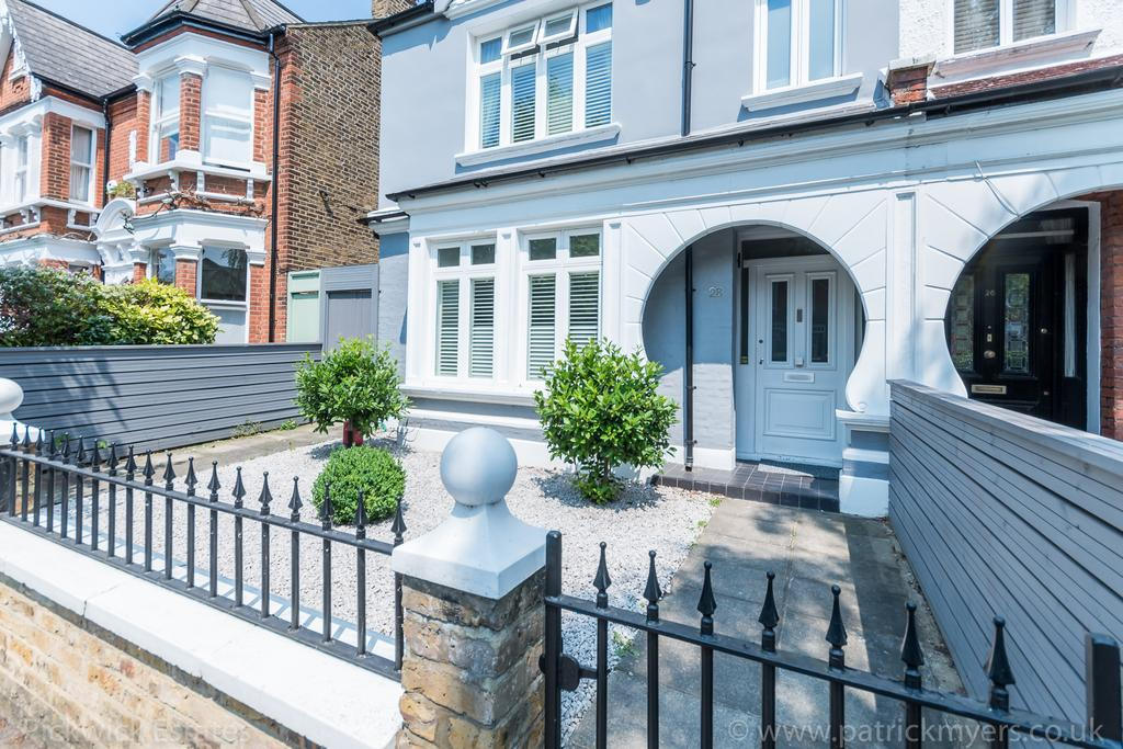 4 Bedrooms Terraced House for sale in Woodwarde Road