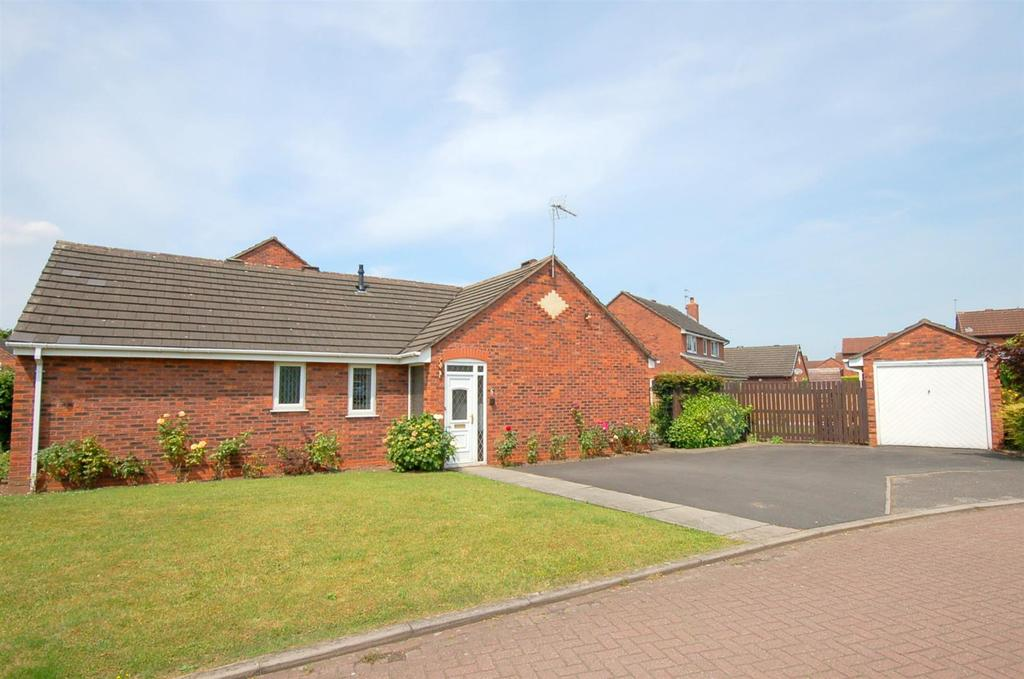 3 Bedrooms Detached Bungalow for sale in Swettenham Close, Alsager