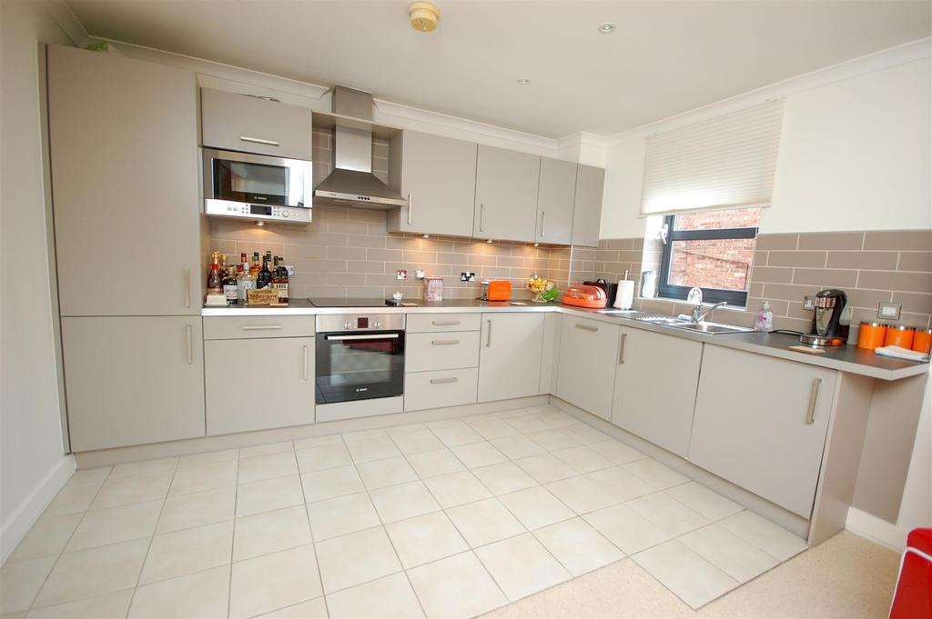 2 Bedrooms Apartment Flat for sale in 12 Thornhill Park, Thornhill, Sunderland