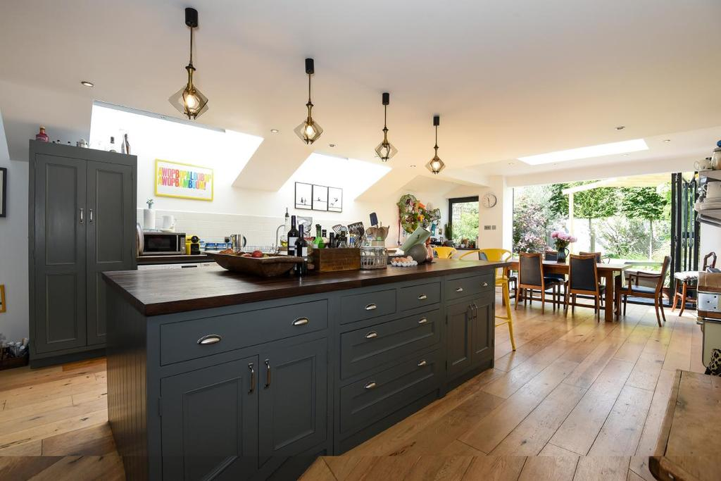 6 Bedrooms Semi Detached House for sale in Oakhurst Grove, East Dulwich, SE22