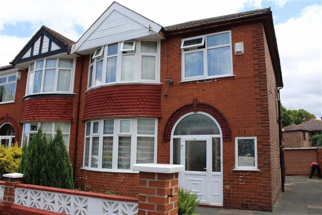 3 Bedrooms Semi Detached House for sale in Northleigh Road, Manchester