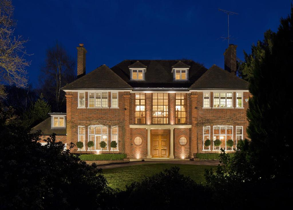 6 Bedrooms Detached House for sale in Bracken Knoll, Courtenay Avenue, N6