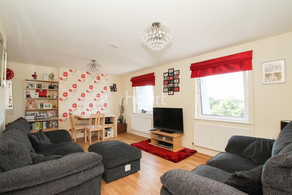 1 Bedroom Flat for sale in Moors Walk