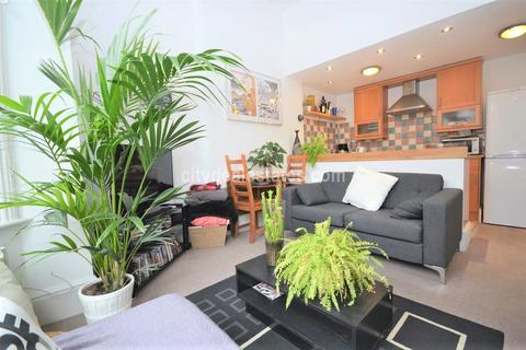 2 bedroom flat to rent - Lakeside Road, West Kensington W14 0DU