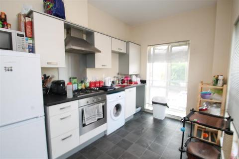 2 bedroom flat to rent - River View
