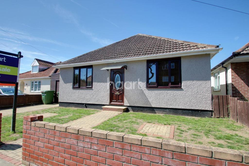 5 Bedrooms Bungalow for sale in Holland-on-Sea
