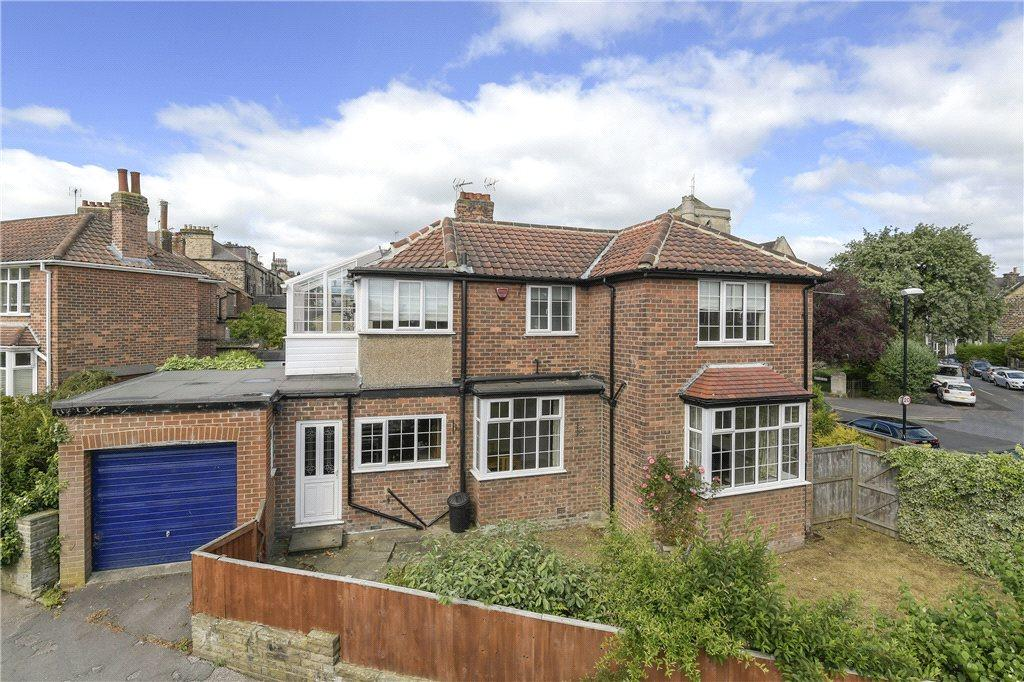 3 Bedrooms Detached House for sale in West Cliffe Grove, Harrogate, North Yorkshire