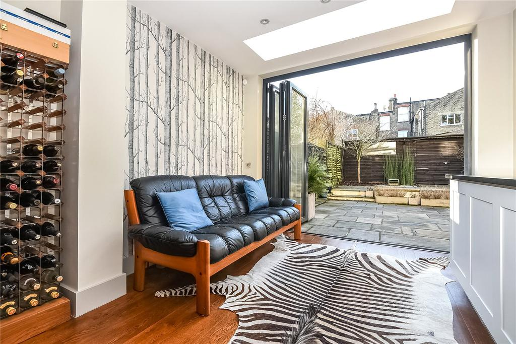 4 Bedrooms Semi Detached House for sale in Frankfurt Road, London, SE24