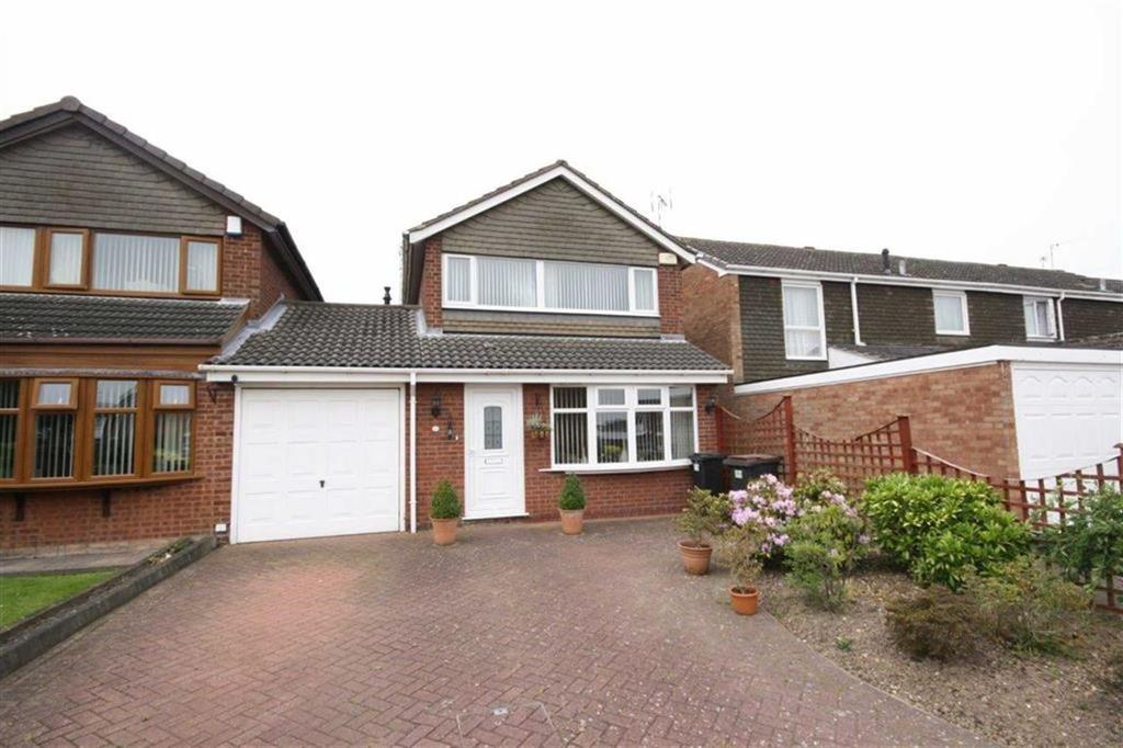 3 Bedrooms Detached House for sale in Kinross Close, Heath End, Nuneaton