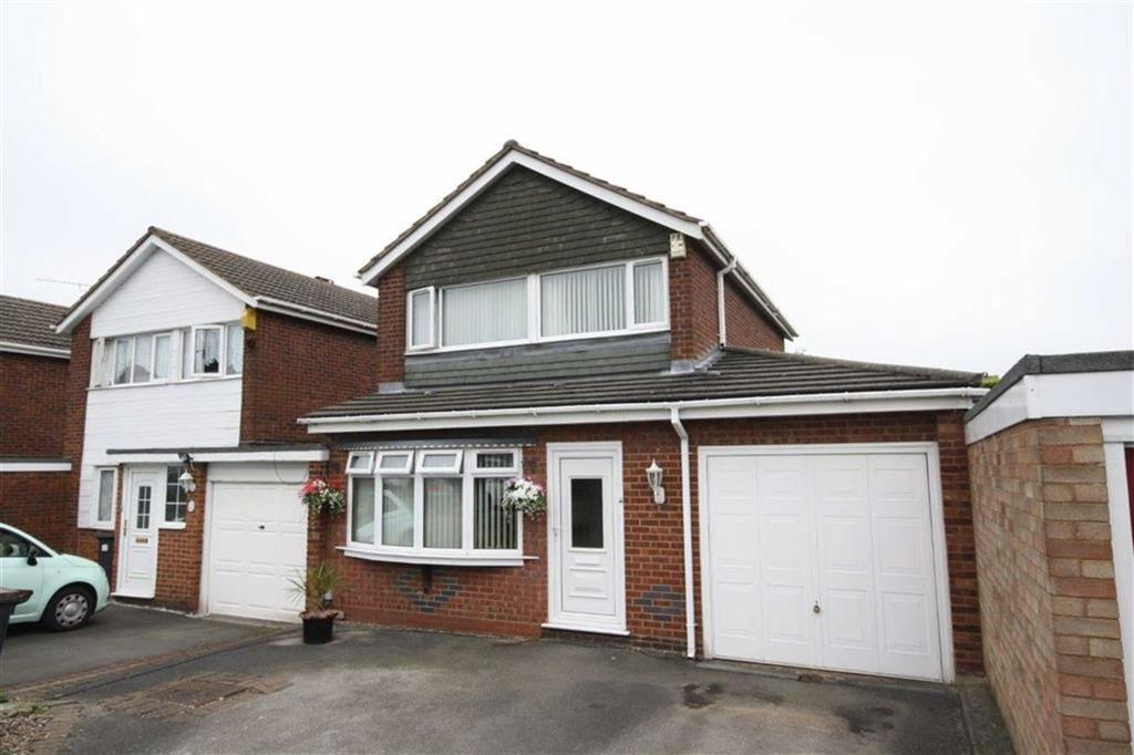 3 Bedrooms Detached House for sale in Fairisle Drive, Heath End, Nuneaton