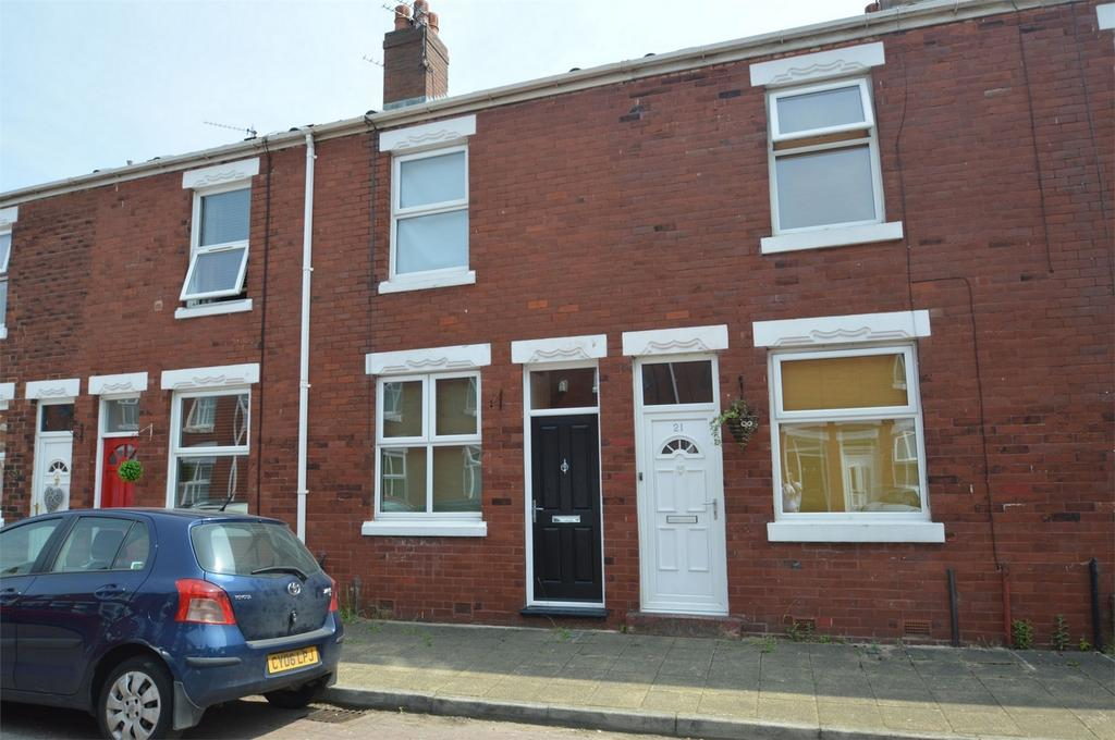 2 Bedrooms Terraced House for sale in Gordon Avenue, SALE, Cheshire