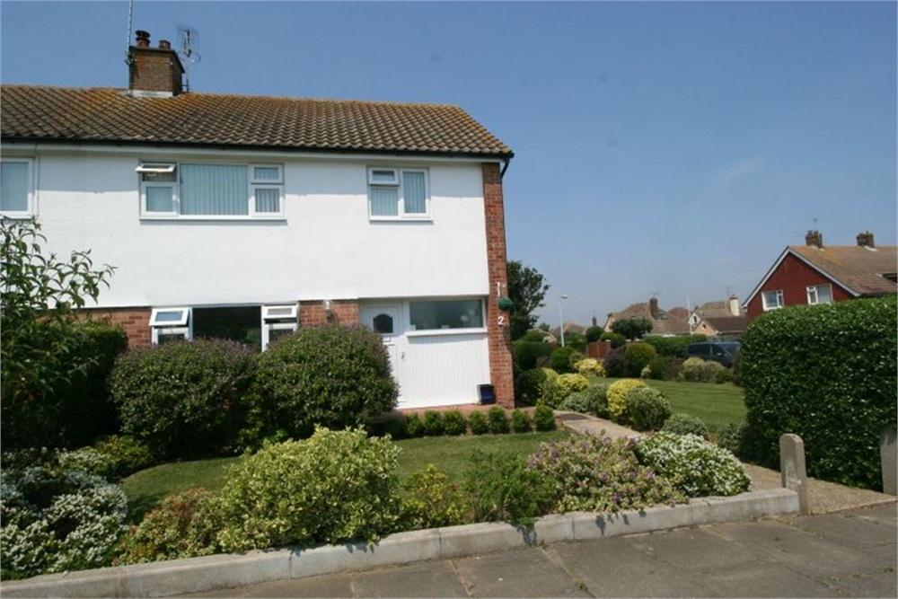3 Bedrooms Semi Detached House for sale in Stansted Way, FRINTON-ON-SEA, Essex