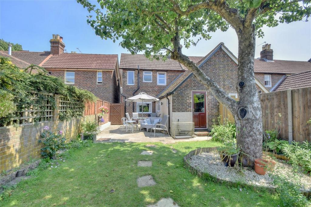 3 Bedrooms End Of Terrace House for sale in Rushes Road, PETERSFIELD, Hampshire