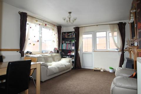 2 bedroom flat to rent - WALMGATE, YORK, YO1 9UA