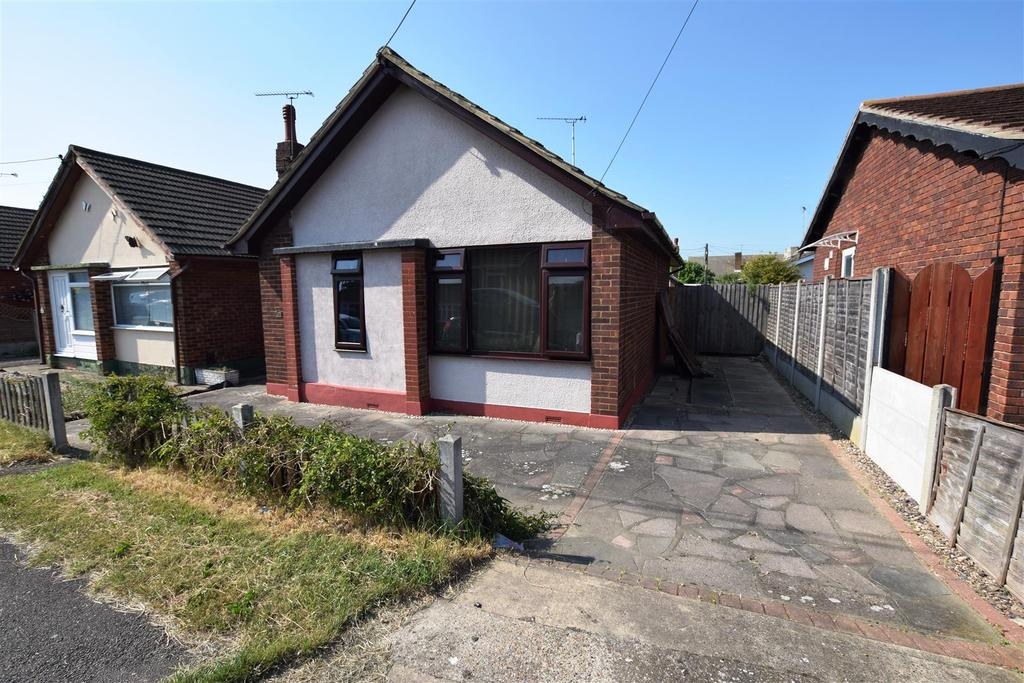 1 Bedroom Detached Bungalow for sale in Hindles Road, Canvey Island