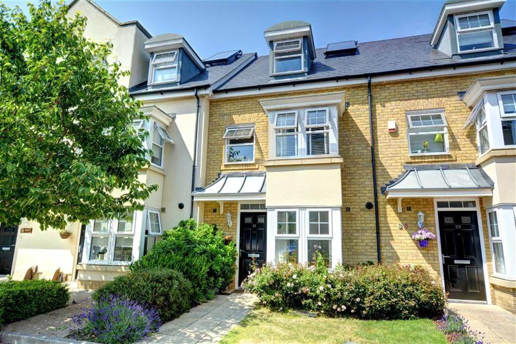 4 Bedrooms Terraced House for sale in Erickson Gardens, Bromley, Kent