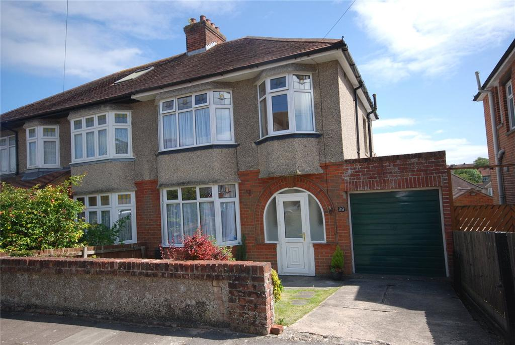 3 Bedrooms Semi Detached House for sale in Feversham Road, Salisbury, Wiltshire, SP1