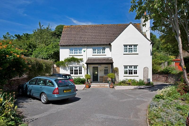 4 Bedrooms Detached House for sale in Deane Road, Newton Abbot