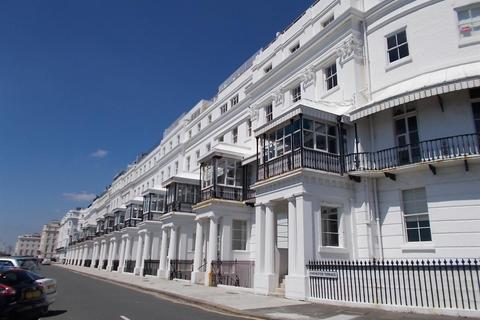 1 bedroom flat for sale - Chichester Terrace, Kemp Town, Brighton