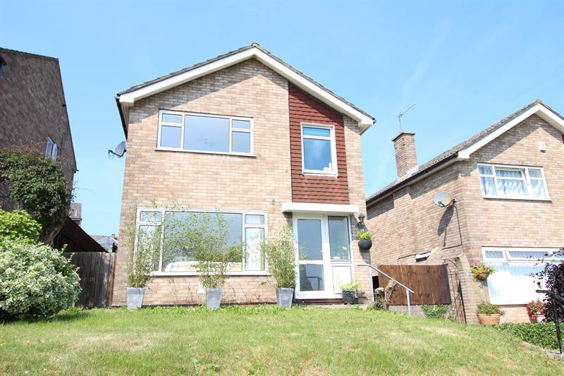 3 Bedrooms Detached House for sale in Caernarvon Court, Caerphilly
