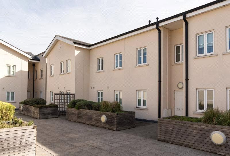2 Bedrooms Flat for sale in New Marchants Passage, Southgate, Bath, BA1