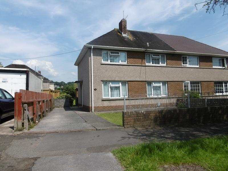 3 Bedrooms Semi Detached House for sale in Heol Llwynon , Neath, Neath Port Talbot.