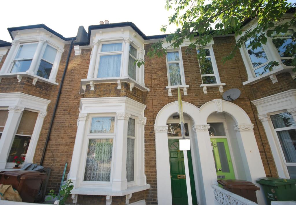 3 Bedrooms Terraced House for sale in Landcroft Road East Dulwich SE22