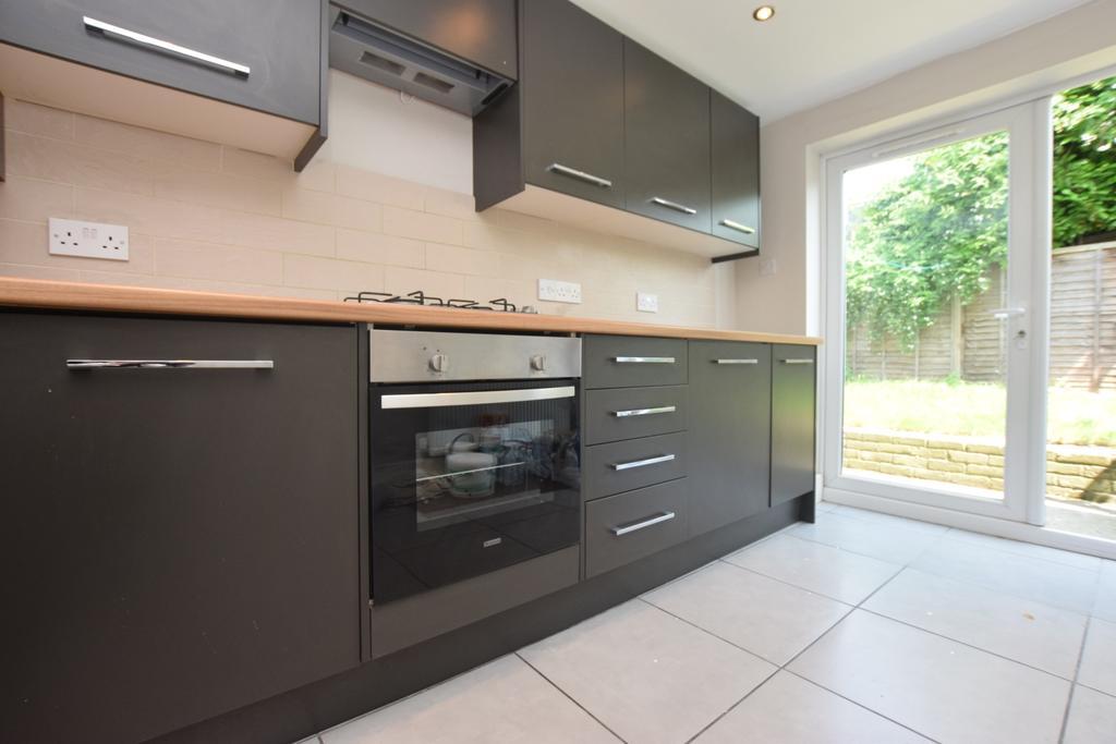 1 Bedroom Flat for sale in Ulverscroft Road East Dulwich SE22