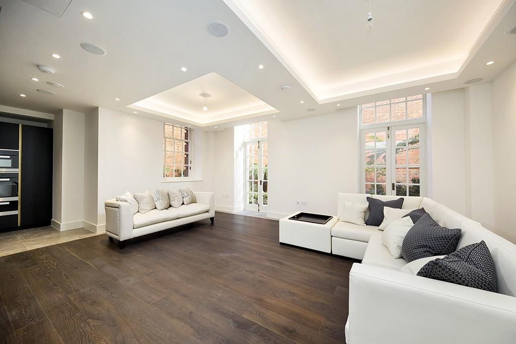 2 Bedrooms Flat for rent in Star and Garter House, Richmond Hill, Richmond, Surrey, TW10