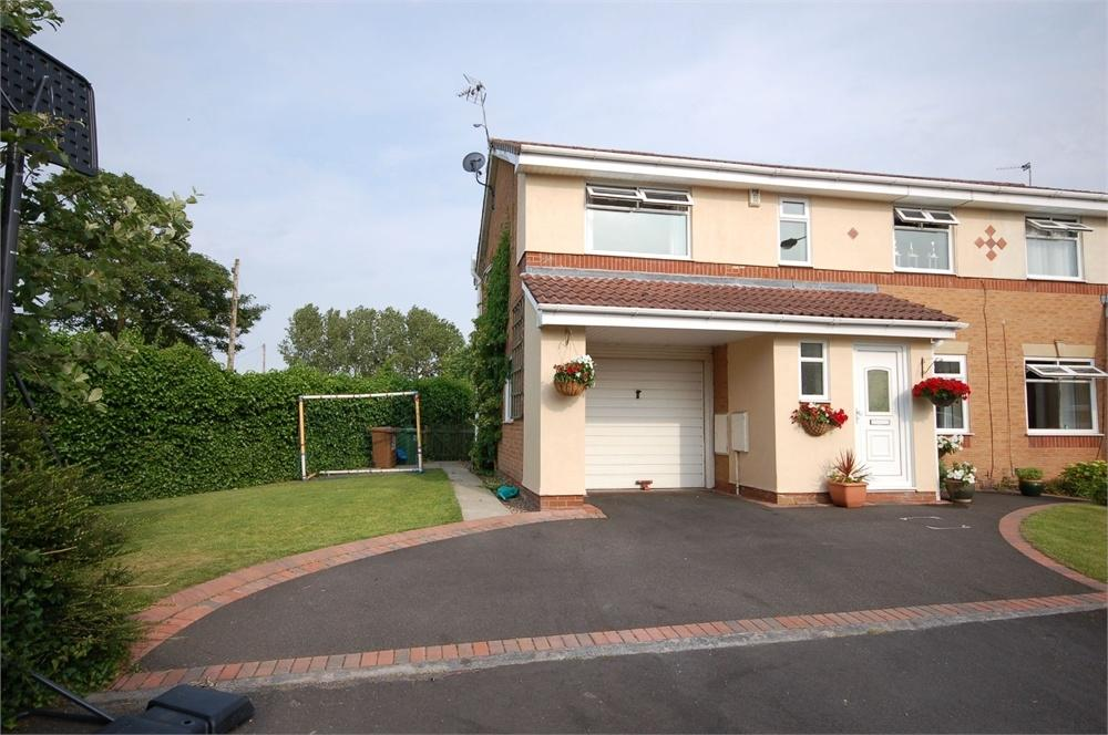 4 Bedrooms Semi Detached House for sale in Kelsey Close, Eccleston, St Helens, Merseyside