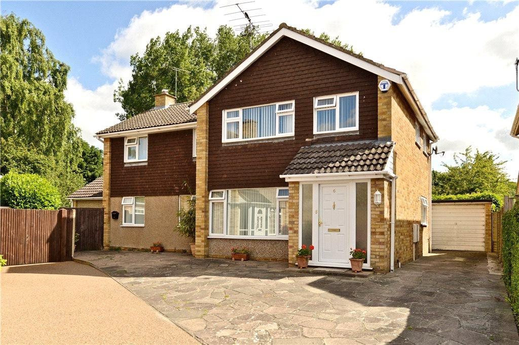 4 Bedrooms Detached House for sale in Keynes Close, Newport Pagnell, Buckinghamshire