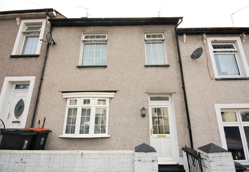 3 Bedrooms Terraced House for sale in St. Woolos Road, Newport, Newport. NP20 4GN