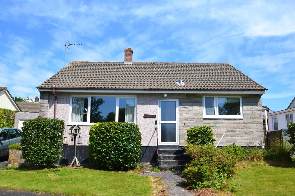 3 Bedrooms Bungalow for sale in Barrie Crescent, Bodmin
