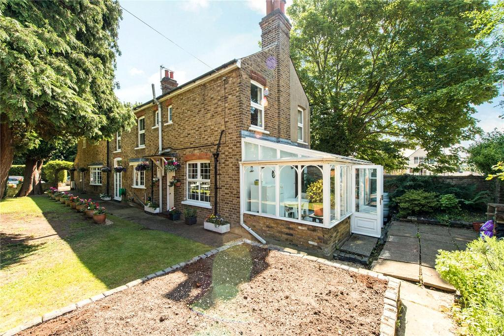 4 Bedrooms Unique Property for sale in Victoria Close, Rickmansworth, Hertfordshire, WD3