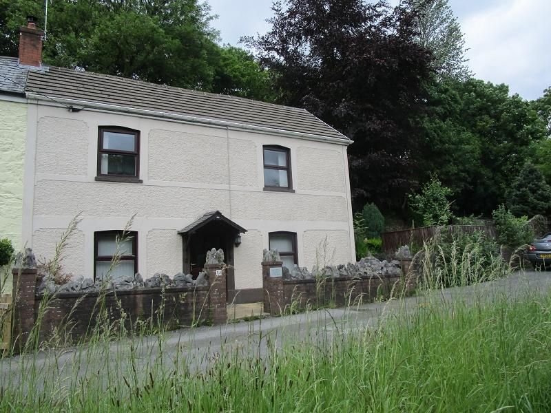4 Bedrooms Cottage House for sale in Heol Rheolau, Abercrave, Swansea.