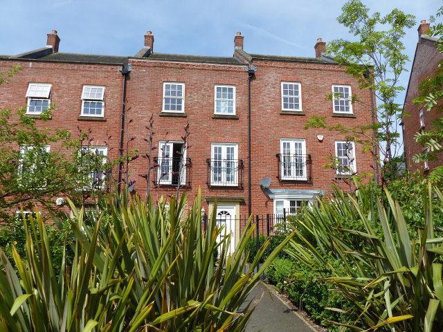 4 Bedrooms Town House for sale in Duckery Wood Walk,Great Barr,Birmingham