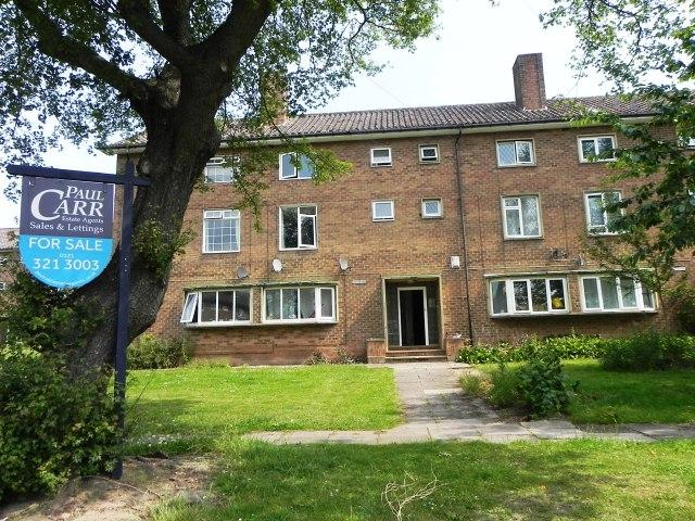 3 Bedrooms Flat for sale in Carhampton Road,Sutton Coldfield,West Midlands