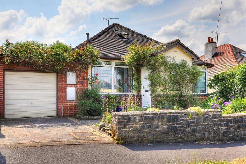 3 Bedrooms Detached Bungalow for sale in Rose Cottage, 99 Trap Lane, Bents Green, S11 7RF