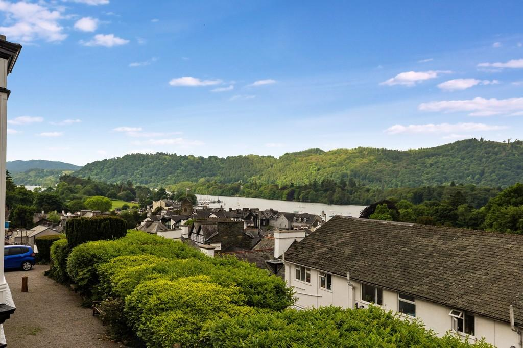 2 Bedrooms Apartment Flat for sale in 1b Lake View Villas, Bowness On Windermere