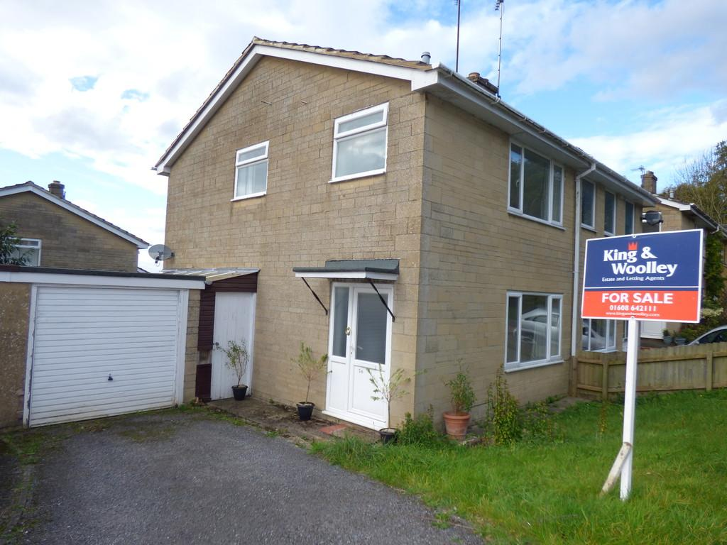 3 Bedrooms Semi Detached House for sale in Marlborough Road, Chipping Norton