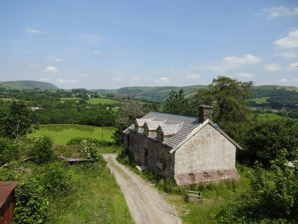 4 Bedrooms Detached House for sale in Tafolwern, Llanbrynmair, Powys